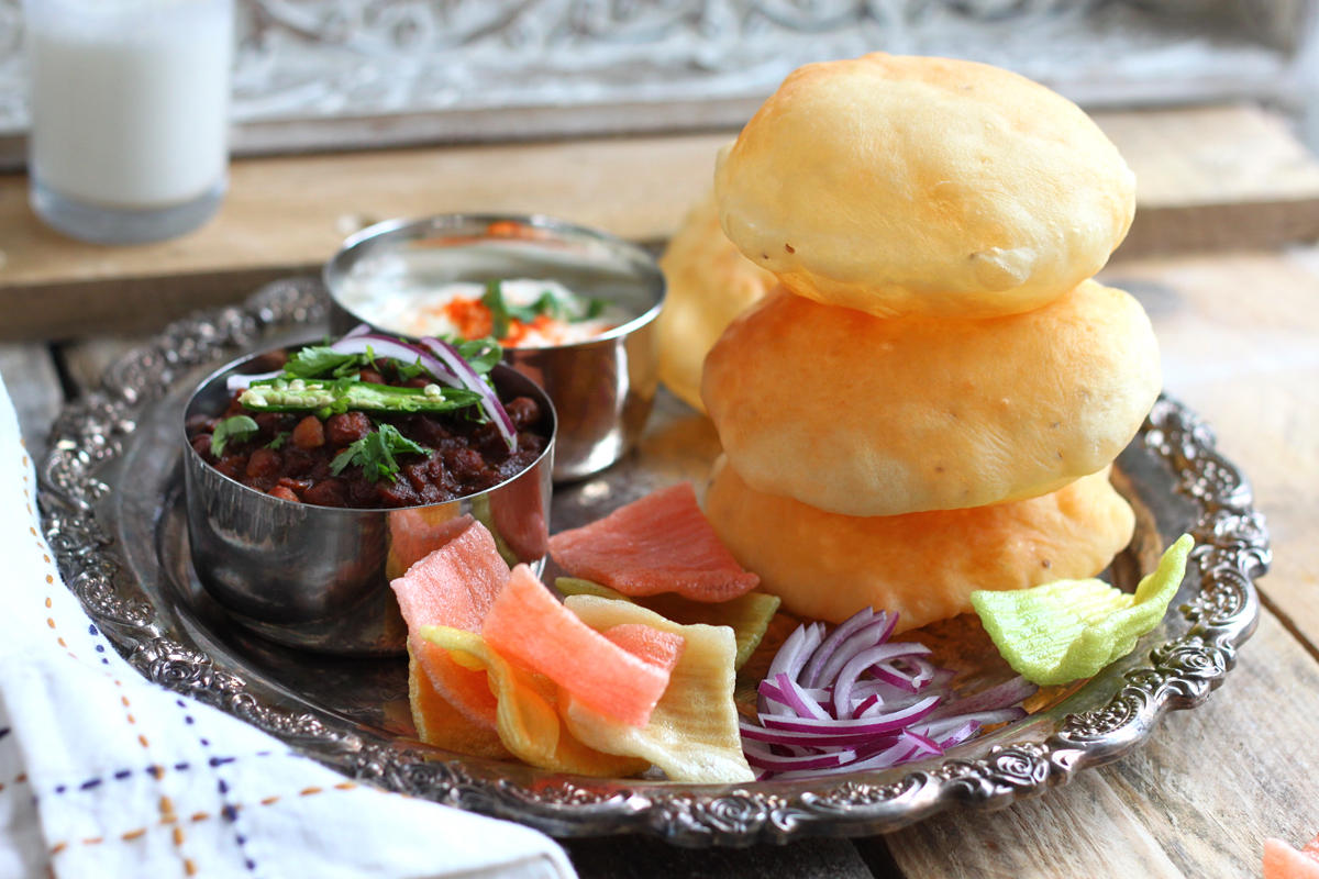 Slow-Cooker-Channa-Masala-and-Fluffy-Bhatura