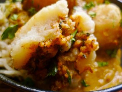 Indian potato kofta stuffed with nuts and cheese 3